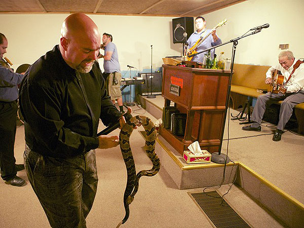 Jamie Coots, Snake Salvation Pastor, Dies from Snake Bite