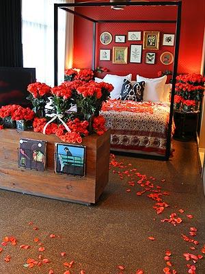 Jason Derulo Showers Jordin Sparks with 10,000 Roses| Couples, Valentine's Day, Jason Derulo, Jordin Sparks