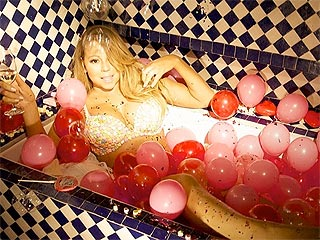 Mariah Carey's Valentine's Day? Stripped Down in a Bathtub (PHOTO)