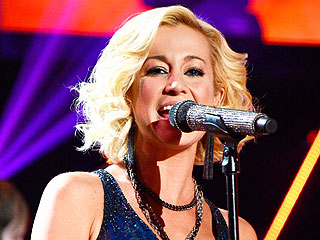 Kellie Pickler Performs at Nashville Ballet Ball