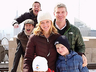 Picture Perfect! Jimmy Fallon and Jon Hamm Photobomb Clueless Tourists | The Tonight Show, Jimmy Fallon, Jon Hamm
