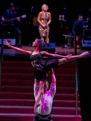 Kellie Pickler Performs at Nashville Ballet Ball| Nashville, Dancing With the Stars, Caught in the Act, Kellie Pickler