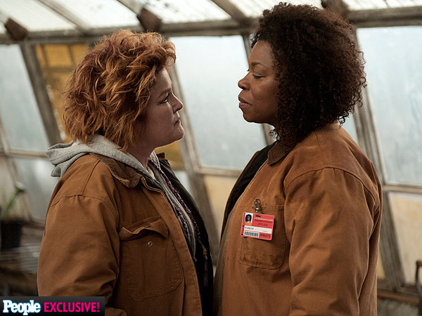 Orange Is the New Black: Sneak Peek at Season 2| Orange Is the New Black, Orange Is the New Black, TV News, Jason Biggs, Laura Prepon, Taryn Manning, Taylor Schilling