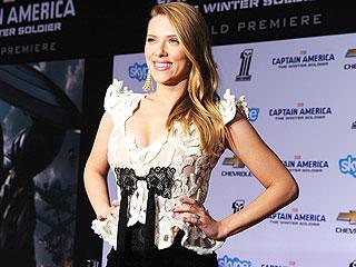 Scarlett Johansson Flaunts Pregnancy Curves at Captain America Premiere   Scarlett Johansson