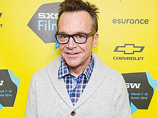 Tom Arnold Loses a Full 100 Lbs. – and Isn't Afraid to Go Shirtless