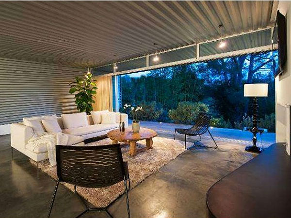 Zac Efron Lists His Hollywood Hills Pad for $2.8M| Zac Efron, Celeb Real Estate