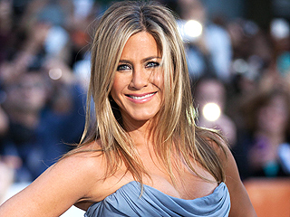 Jennifer Aniston Reveals Her Romantic Traditions with Justin Theroux | Jennifer Aniston