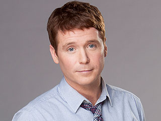 Entour-OUCH! Kevin Connolly Breaks His Leg on Set (Photo) | Kevin Connolly