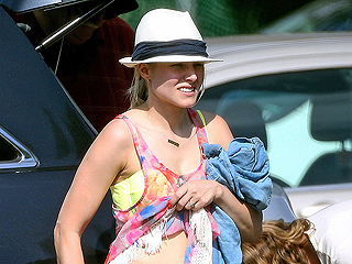 Kristen Bell Rocks a Bikini One Year After Giving Birth   Kristen Bell