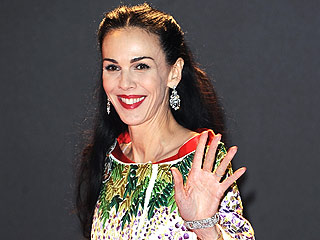L'Wren Scott Honored With an Art of Elysium Charitable Award in Her Name