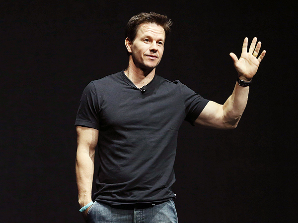 Mark Wahlberg Bulks Up After Dropping to Just 137 Lbs. for Film Role | Mark Wahlberg