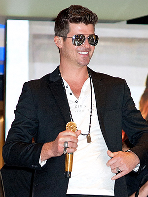 Robin Thicke: Paula Patton and I Are 'Very Happy Right Now' | Robin Thicke