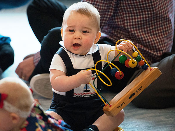 A Baby Crocodile, an Ancient Manuscript? Prince George'sStrangest Gifts | Prince George