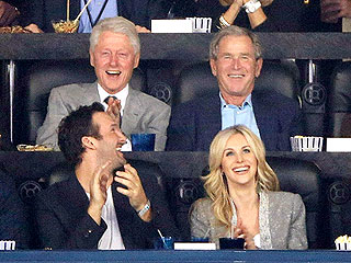 PHOTO: Presidents Bill Clinton & George W. Bush Watch NCAA Championship | Bill Clinton, George W. Bush
