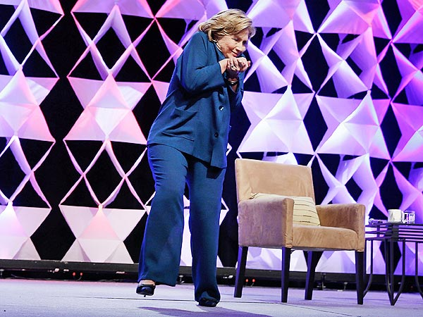 VIDEO: Shoe Thrown at Hillary Clinton in Las Vegas | Hillary Rodham Clinton