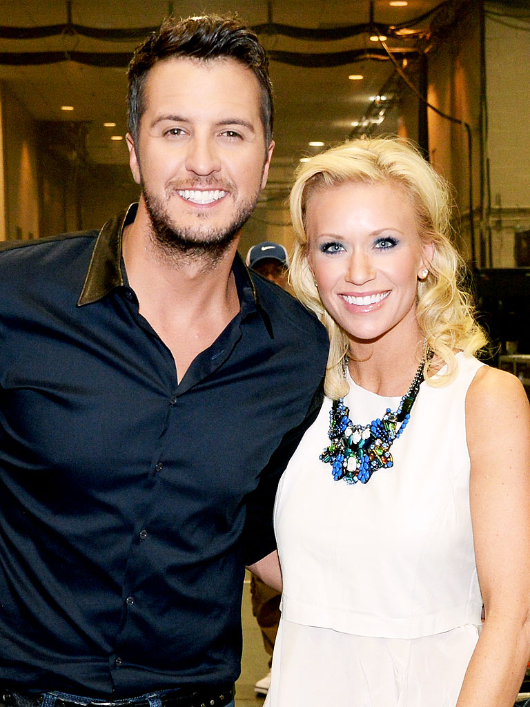 Luke bryan 39 s wife caroline jokes i had to kiss him first for How many kids does luke bryan have
