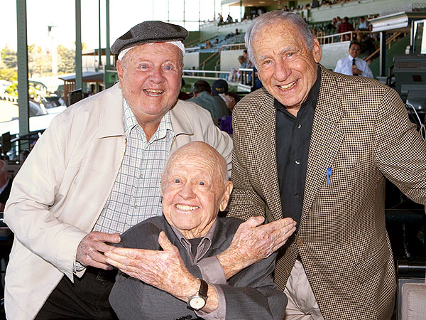 Mickey Rooney Death: Actor Poses with Old Friends in One of His Last Photos