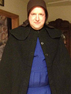 PHOTO: Male Cop Goes Undercover as Amish Woman to Catch Flasher