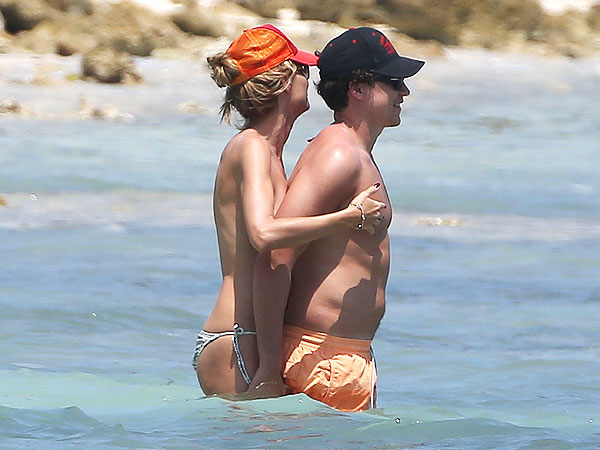 PHOTO: Heidi Klum Goes Topless in Tulum | Heidi Klum