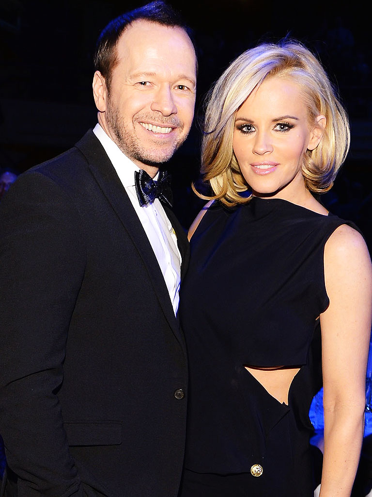 Jenny McCarthy Engaged to Donnie Wahlberg - Engagements ...