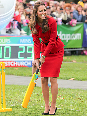 Kate Plays Cricket – in Heels – and Gets Advice from a Maori Chief