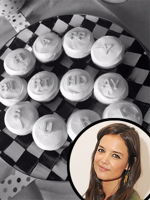 Sweet! Katie Holmes Celebrates Suri's Birthday with Cupcake Greeting (PHOTO)
