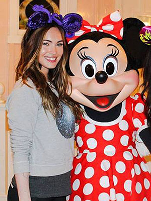 PHOTO: Megan Fox Meets Minnie Mouse at Disneyland