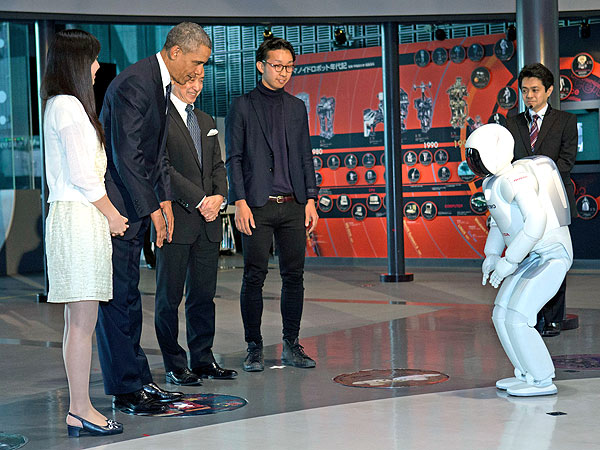 President Obama Challenges Japanese Robot to Soccer Game| Barack Obama