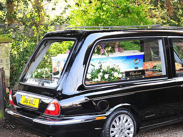Peaches Geldof Mourned at Funeral in England| Death, Tributes, Bob Geldof, Peaches Geldof