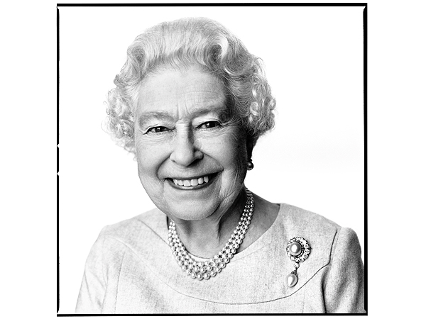 Smiling Queen Elizabeth Has 'Mischievous Glint' in 88th B'day Portrait