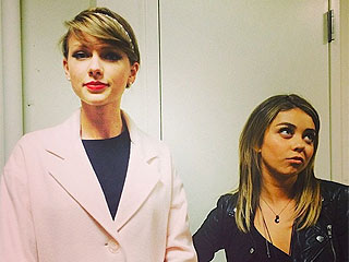 PHOTO: Taylor Swift Channels Her Inner Mom with Sarah Hyland