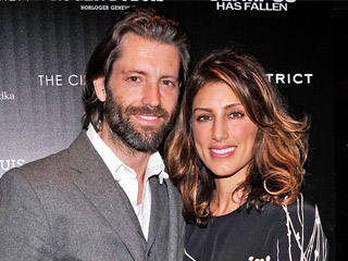 Jennifer Esposito Is Engaged to Louis Dowler | Engagements, Jennifer Esposito