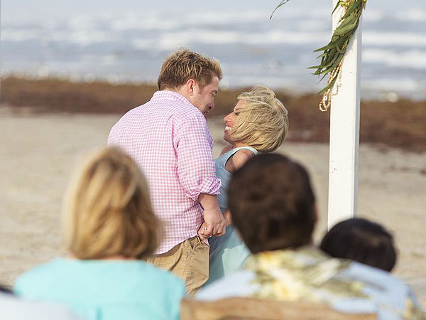 The little couple s jennifer arnold and bill klein renew wedding vows