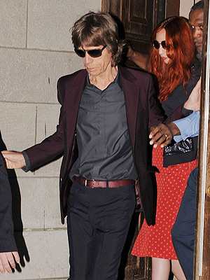 L'Wren Scott Memorial: Mick Jagger Sings Emotional Tribute at N.Y.C. Service| Sarah Jessica Parker, Death, Suicide and Attempts, Julianne Moore, L'Wren Scott, Mick Jagger, Renee Zellweger