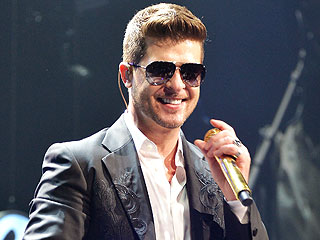 Is Robin Thicke Planning a Big Public Gesture to Woo Back Paula Patton? | Robin Thicke