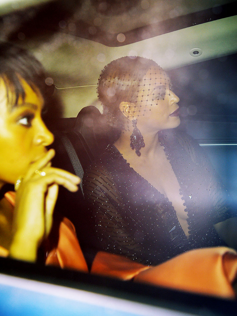 fb90349703f02 Beyoncé Left with Solange After Her Sister Apparently Attacked Jay Z
