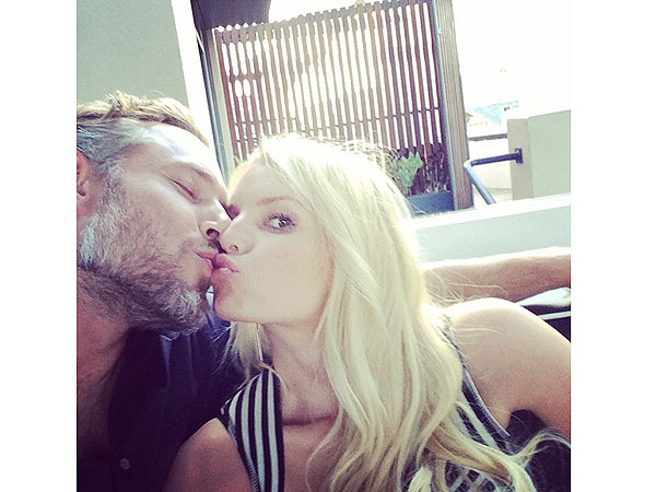 Jessica Simpson Celebrates Anniversary with Sweet Message to Eric Johnso