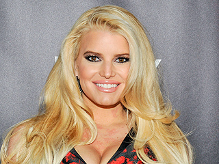 Those Workouts Pay Off! Jessica Simpson Flaunts Super-Toned Legs