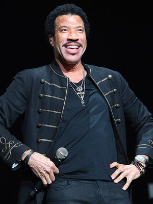 Lionel Richie Shares His Expertise with Bruno Mars (VIDEO)