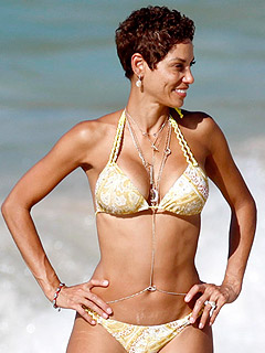 Nicole Murphy's Stay-Slim Trick? Have a Treat Daily! | Hottest Bodies, Nicole Murphy