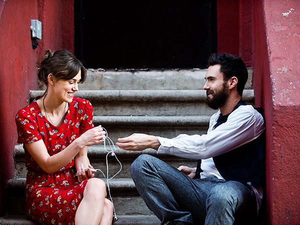 Hear Keira Knightley Sing – As She Breaks Up with Adam Levine over Voicemail in Begin Again