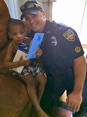 Florida Cop Derek Pratico Replaces 3-Year-Old Boy's Stolen Birthday Presents