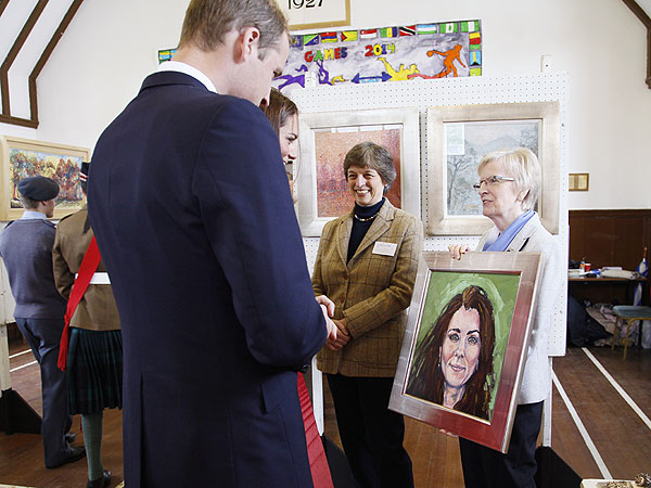 Kate Portrait: Prince William and Wife Gifted with New Painting