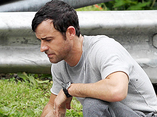 Why Is Justin Theroux Punching a Wall?