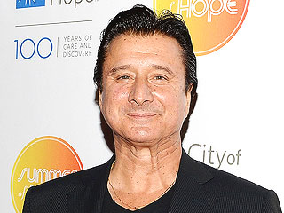 Ex-Journey Frontman Steve Perry Sings Live for the First Time in Over 20 Years | Journey, Steve Perry