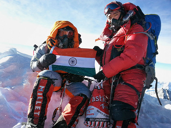 Indian Girl, 13, Becomes the Youngest Person to Climb Mount Everest| Real People Stories