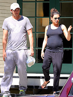 Ashton Kutcher and Mila Kunis Take Babymoon in French Polynesia