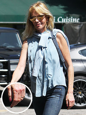 Melanie Griffith Wears Wedding Ring After Announcing Split from Antonio Banderas