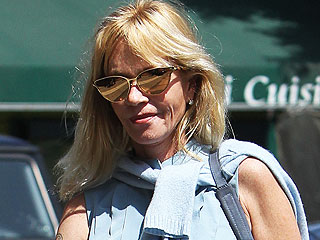 PHOTO: Melanie Griffith Is Still Wearing Her Wedding Ring