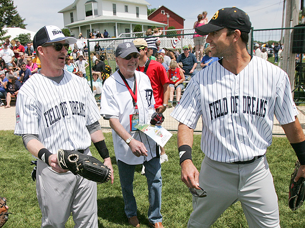 Field of Dreams Star Kevin Costner Celebrates 25th Anniversary at Iowa Festival| Field of Dreams, Colin Egglesfield, Kevin Costner, Ray Liotta, Timothy Busfield